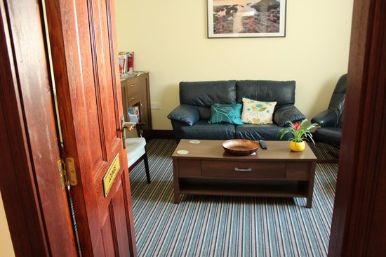 Ken-Mar House: Guest Lounge