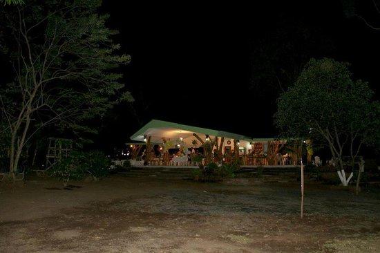 Rancho Merida: Restaurante de noche