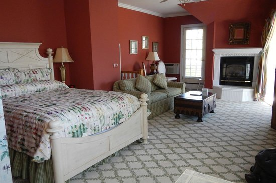 Brigadoon Bed and Breakfast : Captains Quarters room