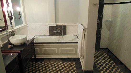 The SAMAR Villa & Spa Resort: salle de bain