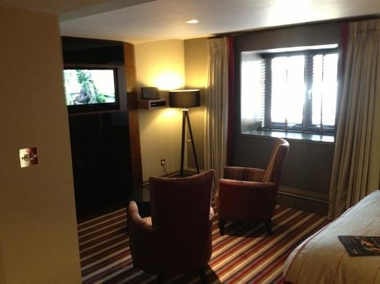 Village Hotel Warrington : upper deck room