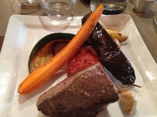 Restaurant le Sud : pièce de bœuf et ses légumes rôtis