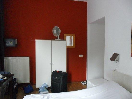 City Hotel Rembrandt Square: chambre pratique