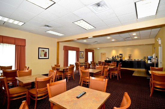 Quality Inn Shelburne : Complimentary Full Breakfast