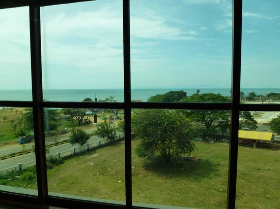Rock Royal Hotel & Resort : view of the sea from the room
