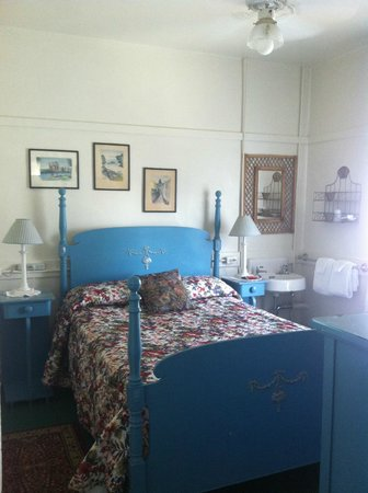 San Remo Hotel: other persons room