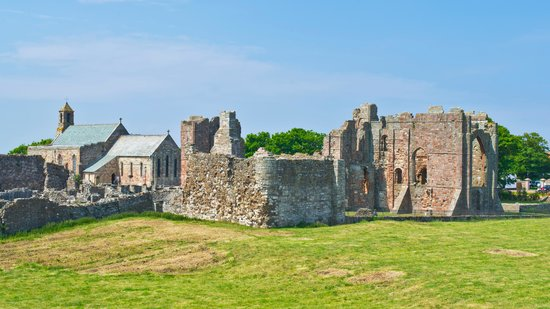 Elishaw Farm Holiday Cottages: Lindisfarne Priory
