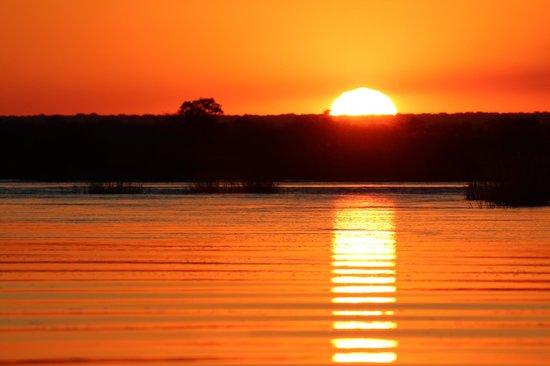 Sindabezi Island: Sunset river cruise.