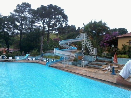 Big Valley Hotel Fazenda : piscina com toboagua muito bom.