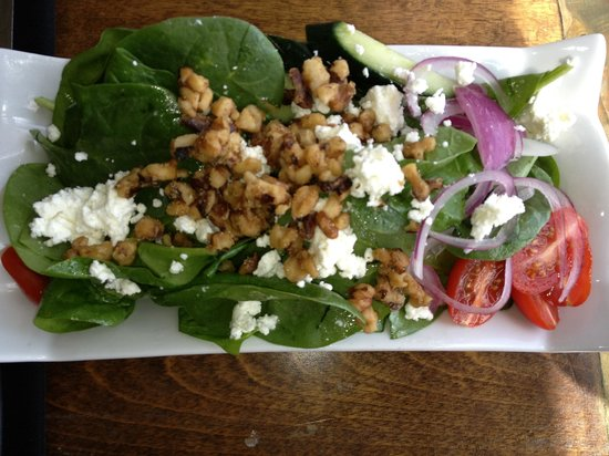 The Galley Restaurant & Lounge: Walnut and goat cheese salad
