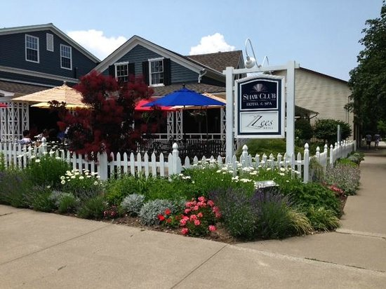 Zees Grill : charming location