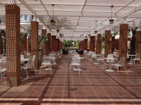 Breakfast terrace picture of pullman marrakech palmeraie for Breakfast terrace