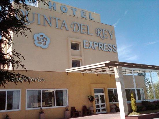 Quinta Del Rey Express: Fachada