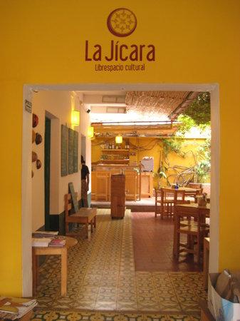 La Jicara: La Jícara, vista desde la entrada