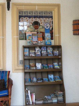 Tropicana Inn : Information center