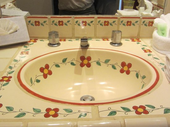 Tropicana Inn: Sink