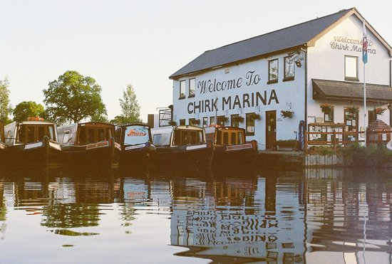Llangollen Canal: Chirk Marina--our home base