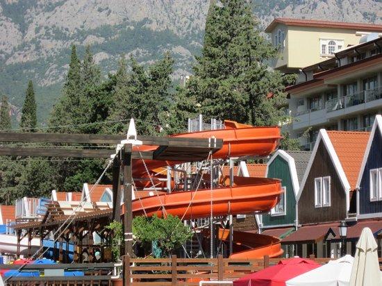 Orange County Resort Hotel Kemer: территория,горки