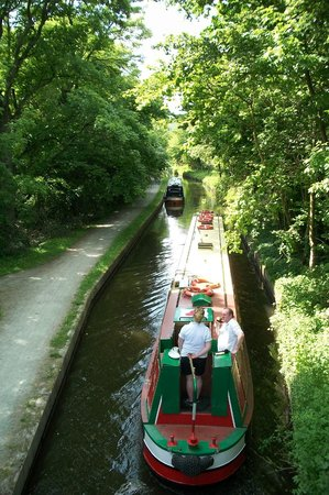 Llangollen Canal: On the canal