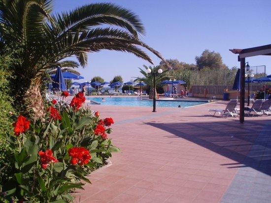 Akti Chara Hotel: skønt pool område
