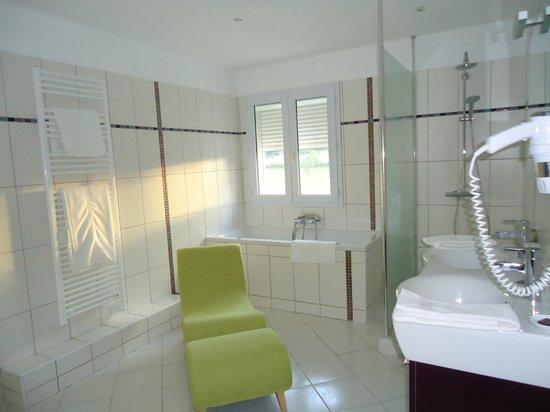 Auberge du Pont de Vagnas: Salle de bain