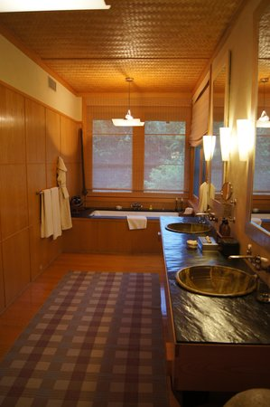 Twin Farms: Orchard Bathroom