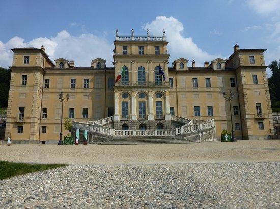 Villa della Regina: Front side