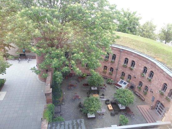 Hyatt Regency Mainz: Hotel Courtyard from the room