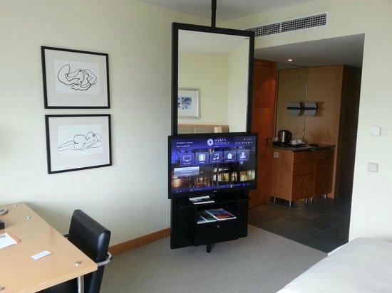 Hyatt Regency Mainz: My Room 1