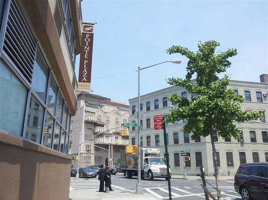 Pointe Plaza Hotel: Safe neighborhood