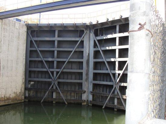 Erie Canal: one of the locks