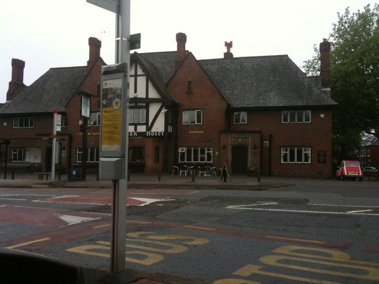 The Broadoak Hotel: The Broadoak from the bus stop