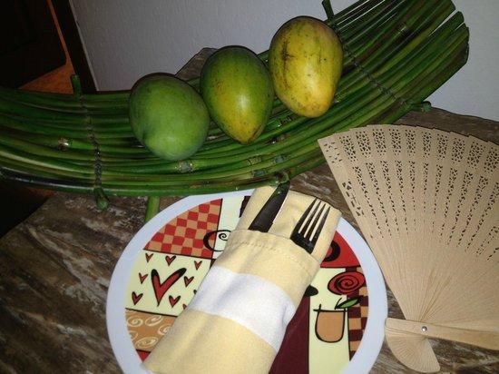 Hotel Quadrifolio : Mangos in the room