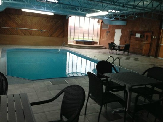 Howard Johnson Plaza Hotel Fredericton: Amazing new pool update when returning!