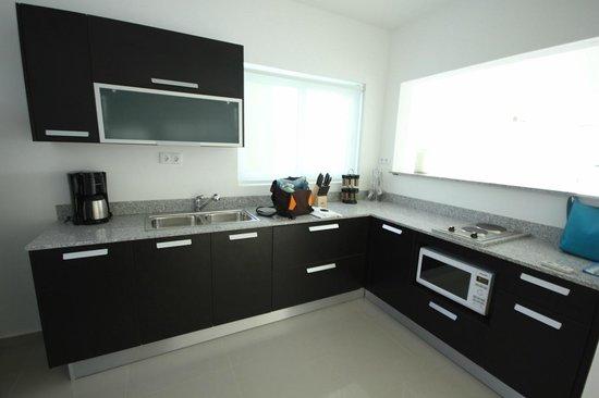 Piscadera Harbour Village: Kitchen, fridge is to the left