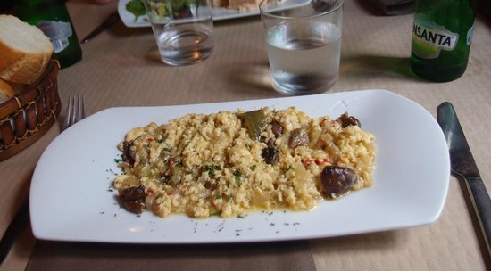 El Huerto del Ermitano: starter - scrambled eggs (very nice!)