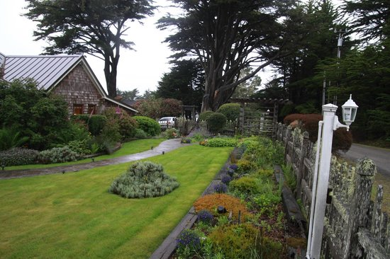 Fensalden Inn: the front garden of Fensalden