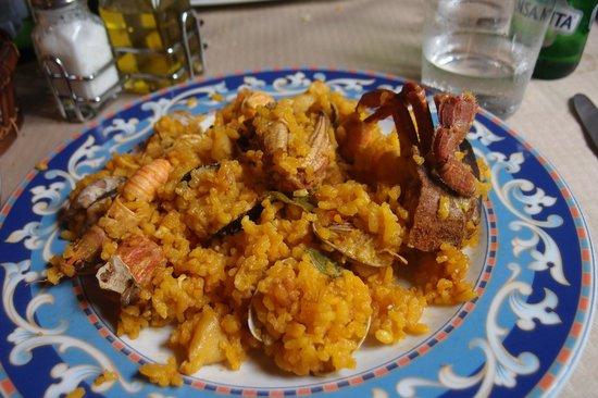 El Huerto del Ermitano: paella - seafood