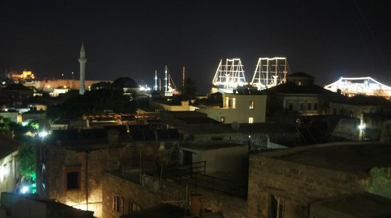 Minos Pension & Roof Garden Lounge: View from Minos rooftop at night