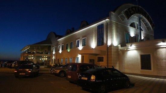 Robinson Club: Ресторан ночью