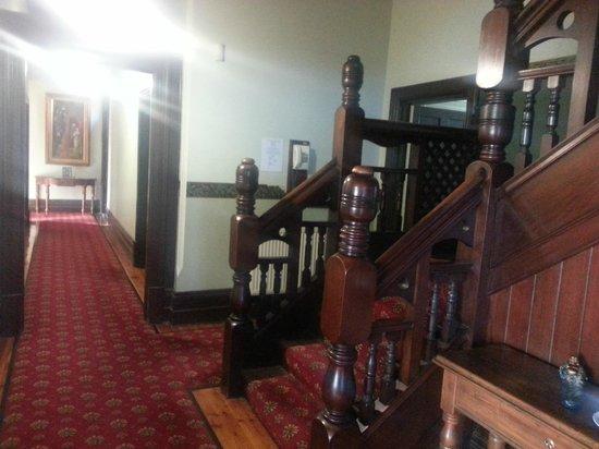 Gatehouse on Ryrie: Entrance
