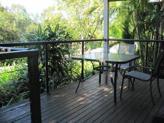 Gold Coast Holiday Park & Motel : cabin patio