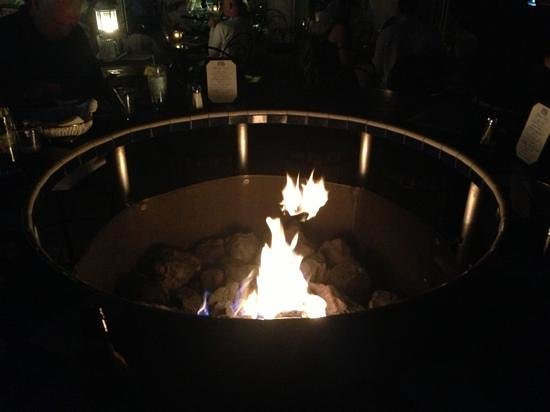 Attrayant Las Brisas: The Tall Fire Pit/table.