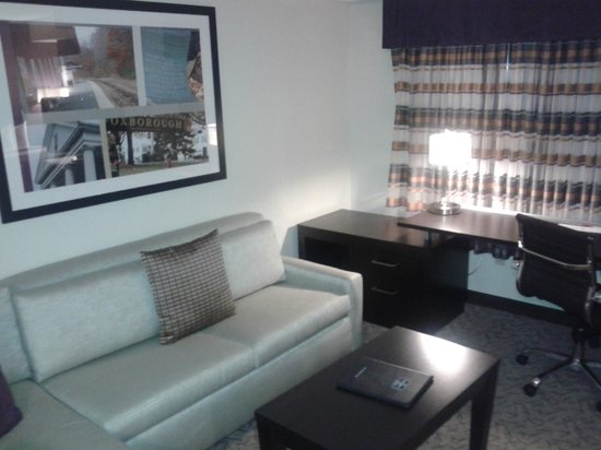 Residence Inn Boston Foxborough: Living