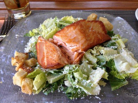 Wine & Roses Hotel: The salmon cesar salad, yummm!!!!