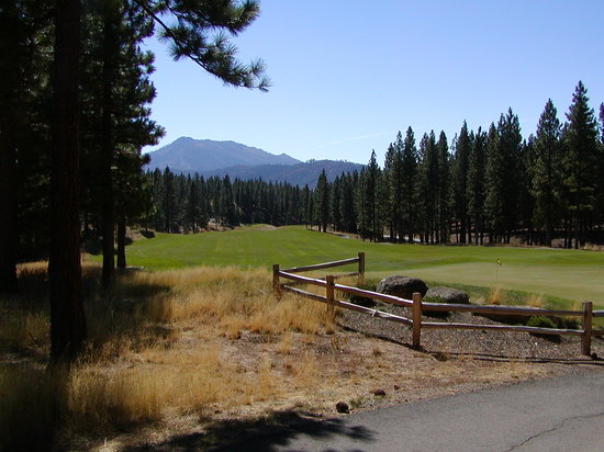 Grizzly Ranch Golf Club : The 5th Green and Fairway