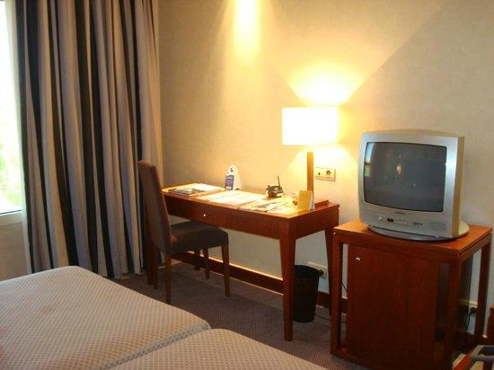 Eurostars Gran Madrid: habitación