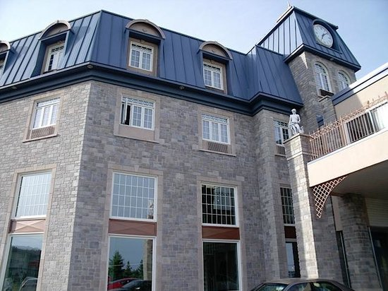 Best Western Plus Edmundston Hotel : Outside