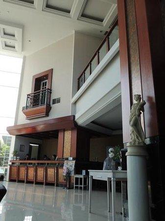 Hotel Dafam Semarang: lobby
