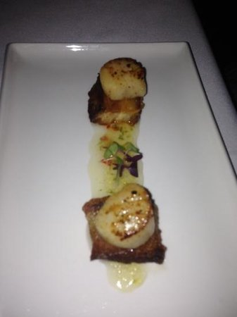 Reef House Restaurant: best pork belly and scallops!